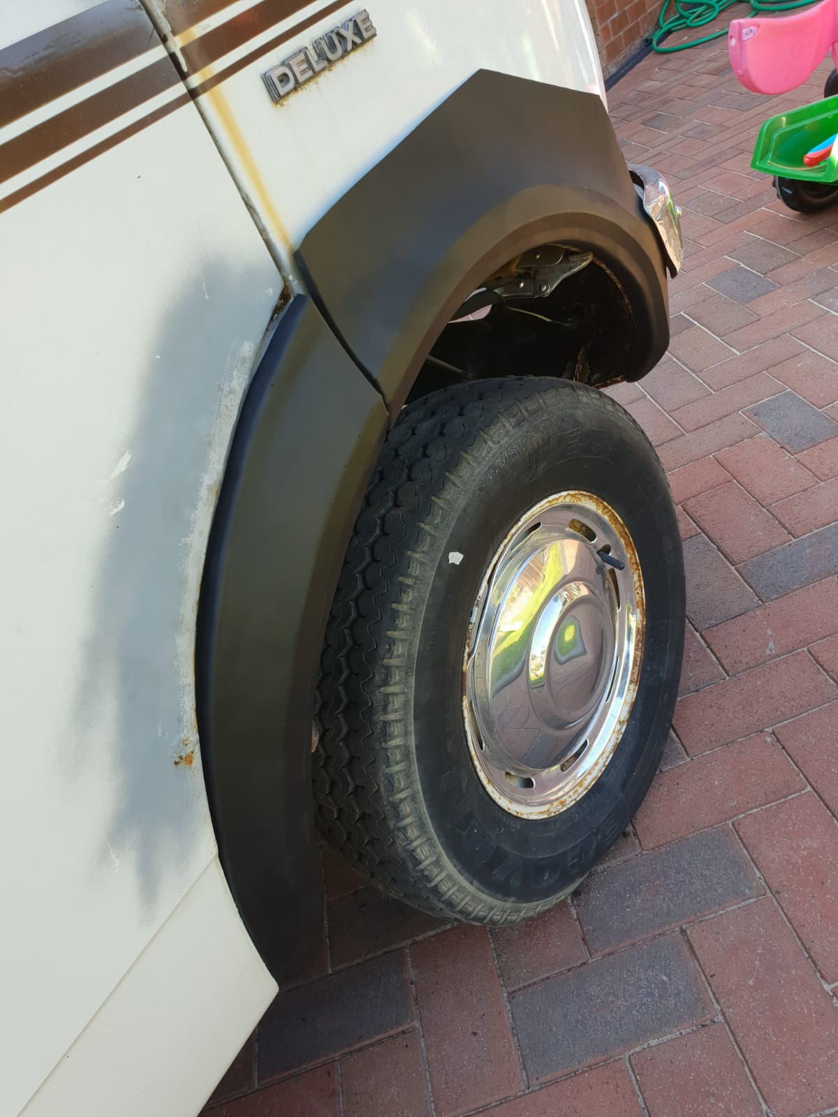BEDFORD CF FRONT WHEEL ARCH